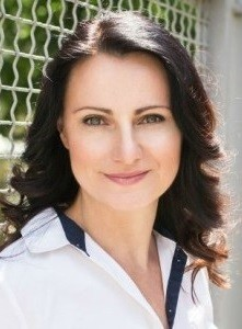 Olena-Dovhanets-_portret-287x300